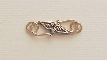 Photo of hook clasp